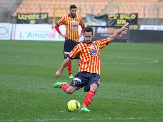 Sicula Leonzio e Lecce non si fanno male: al Massimino finisce 0-0
