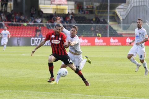 Calciomercato Lecce, nuova pretendente per Pettinari