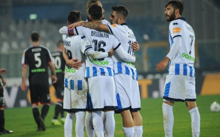 Serie B, posticipo 24^ giornata: il Pescara passa a Crotone e aggancia il Lecce al 4° posto