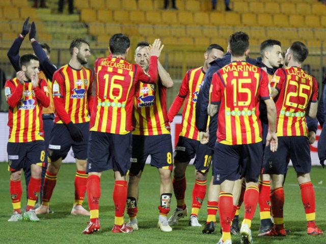 Calciomercato Lecce, il Vicenza bussa alla porta dei giallorossi per un difensore