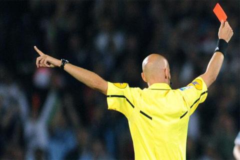 """""""Arbitro, sei un terrone"""": un anno di Daspo per un Allenatore"""